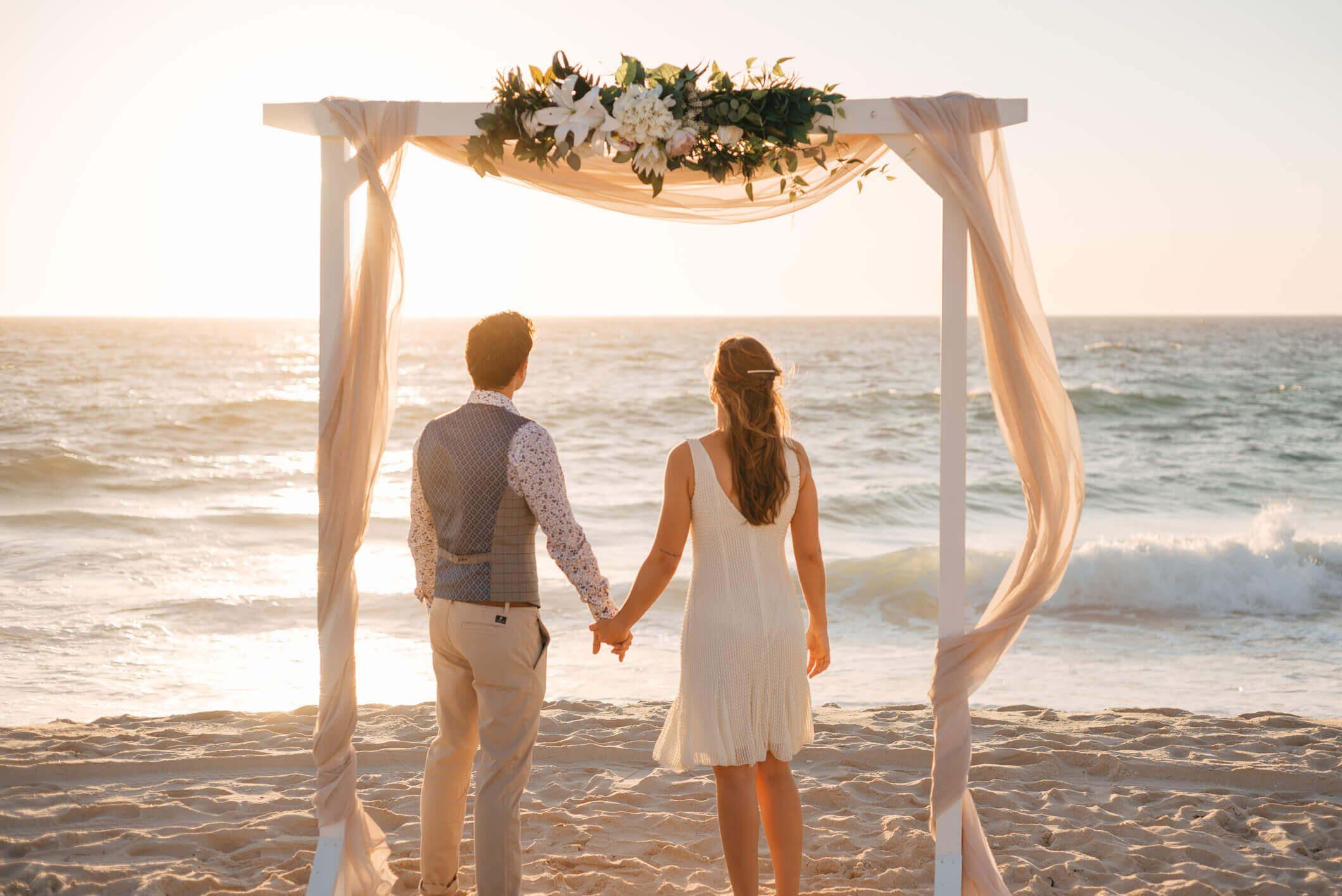 perth beach wedding couple