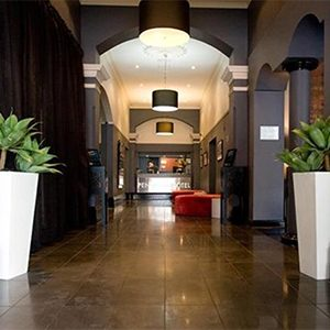 10 convenient hotels near Southern Cross Station   finder ...