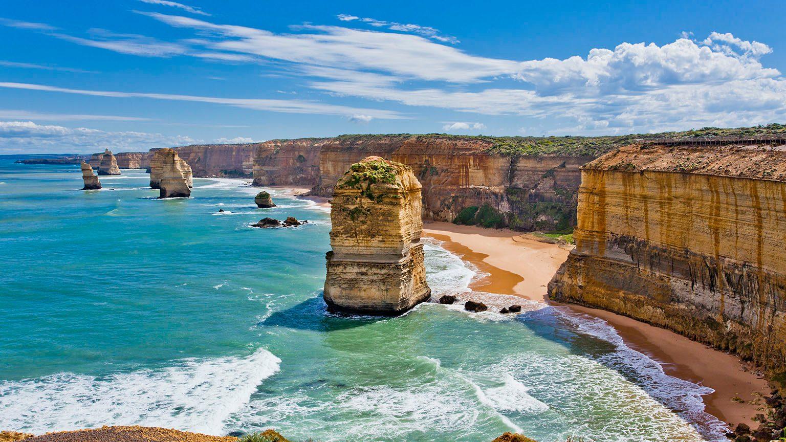 Australia, Victoria, Port Campbell National Park, Great Ocean Road, The Twelve Apostles.