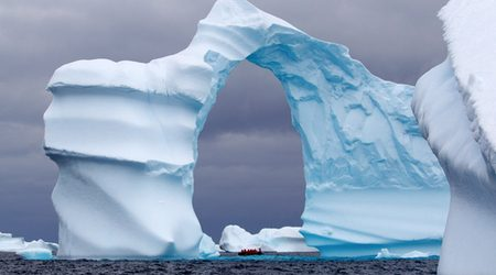 How I used Qantas Points to see Antarctica (as nowhere else is open)