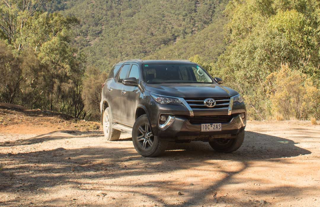 Toyota Fortuner offroad