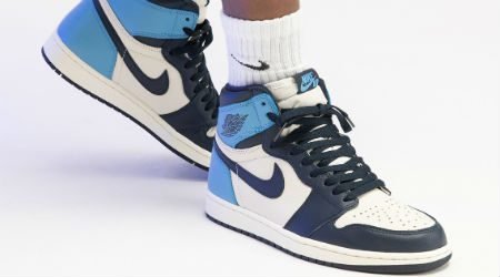 Wheretoget White Nike Air sneakers with blue soles | Nike