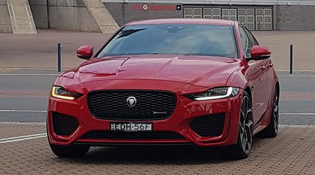 Jaguar XE Review: Hands-on (P300 HSE)