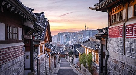 Bukchon_Hanok_Village_GettyImages_450x250