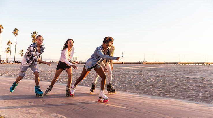 Friends in Santa Monica - Los Angeles having fun on the promenade