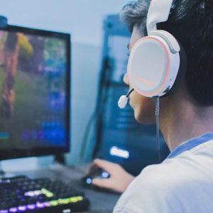 AManplayingcomputergames_Unsplash_300x300