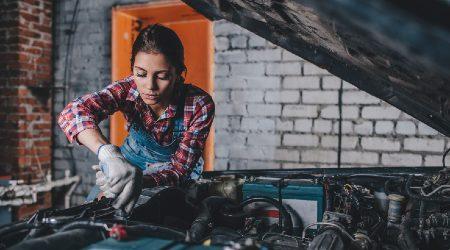MechanicFixingCar_GettyImages_450x250