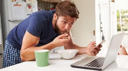 breakfast-laptop-450