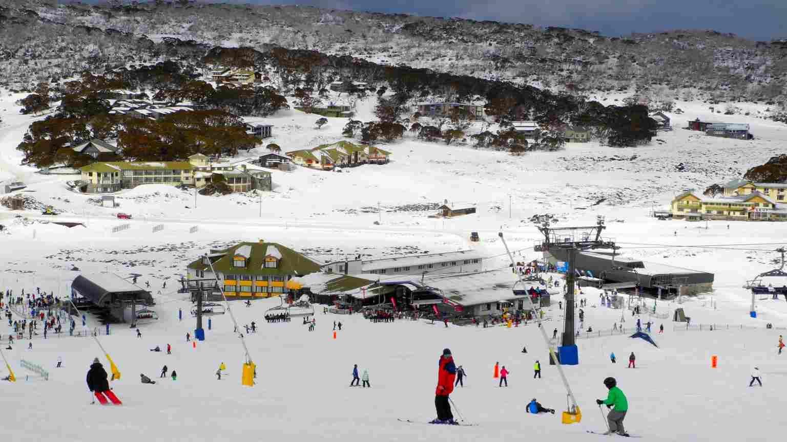 Perisher ski and travel guide