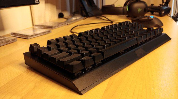 Razer BlackWidow V3 Tenkeyless on desk