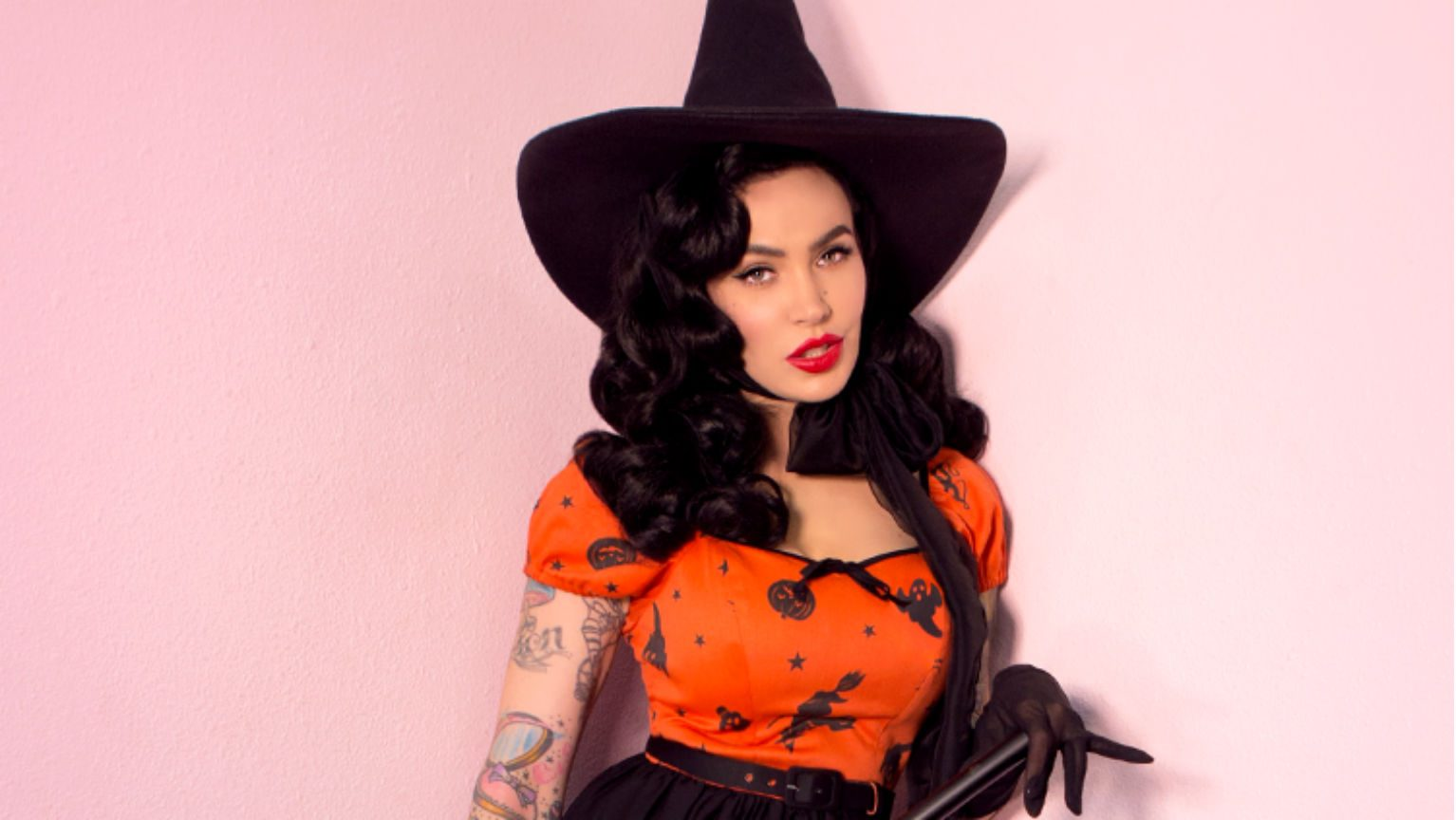 Pin up witch costume
