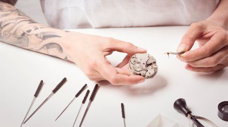 How to start a watchmaking business