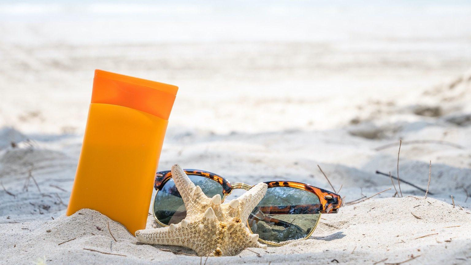 beach, sunscreen, summer, lotion, protection, cream, sun, vacation, care, skin, sunblock, tan, suntan, body, holiday, sea, female, sunbathing, skincare, woman, girl, applying, young, health, travel, beauty, people, beautiful, sand, suncream, moisturiz