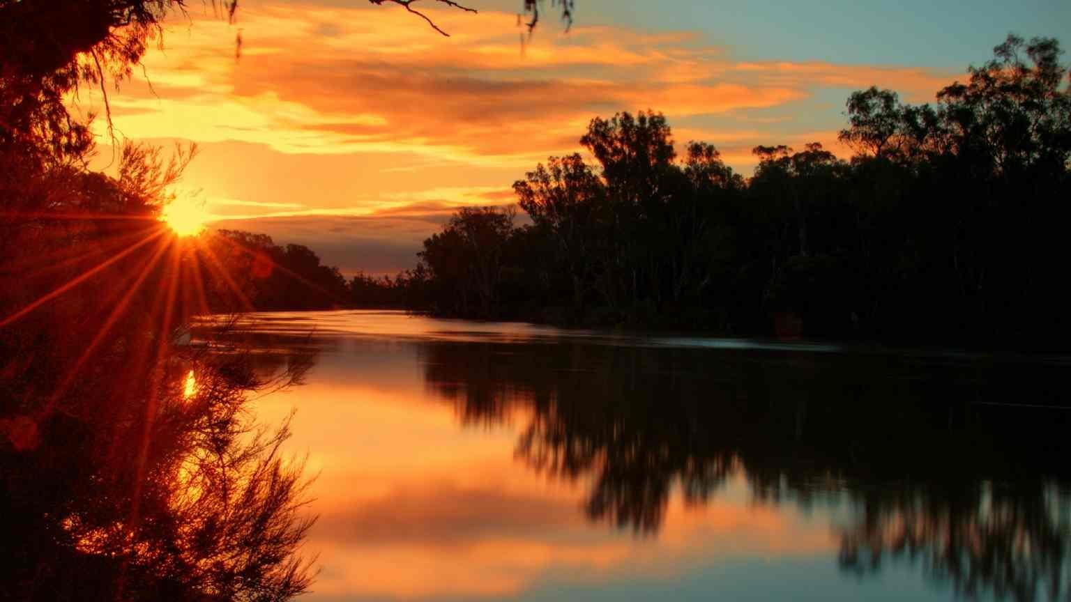 sunrise on murray river