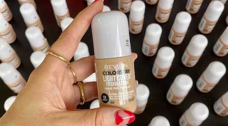 Review: Revlon ColorStay Light Cover Foundation