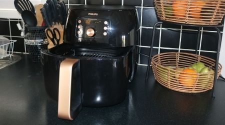 Philips Premium Airfryer XXL (HD9861/99) review: Large in more than just name