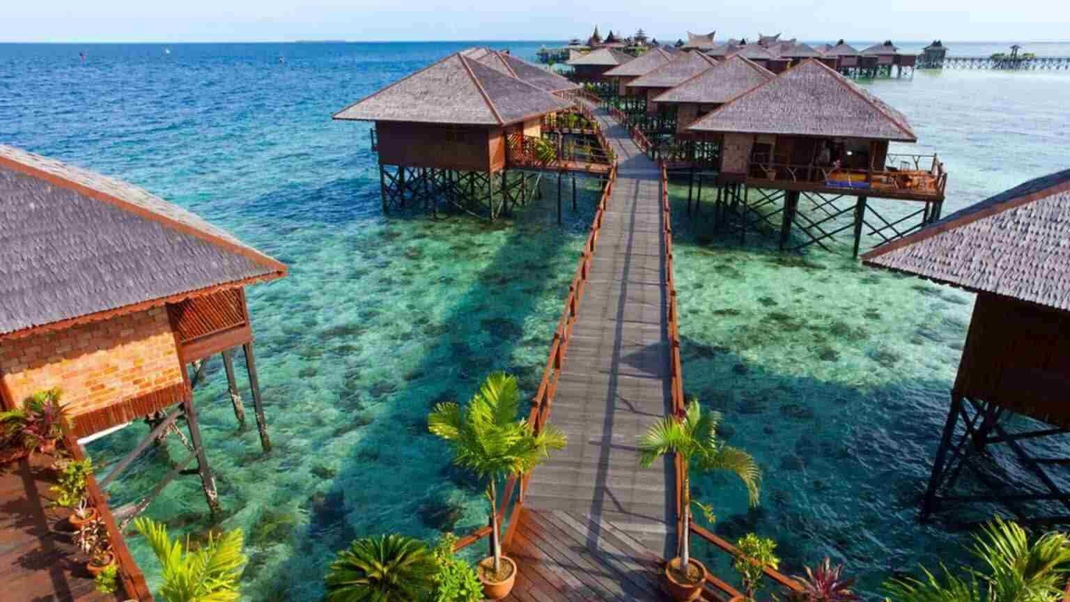 Malasya Hotels in water