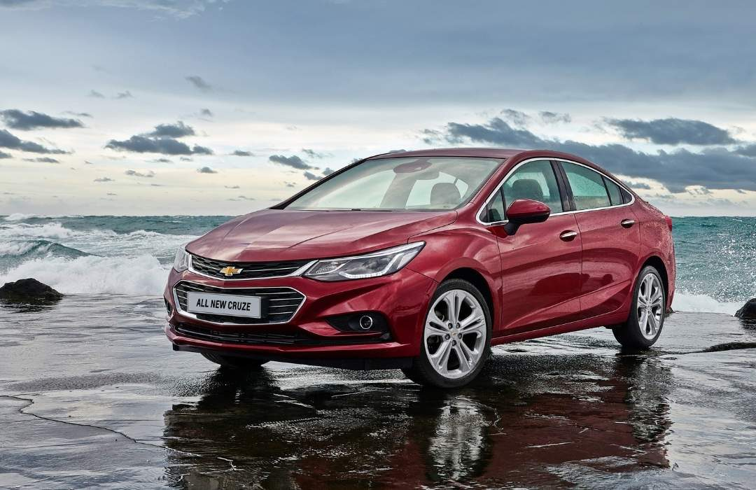 Red Chevrolet Cruze