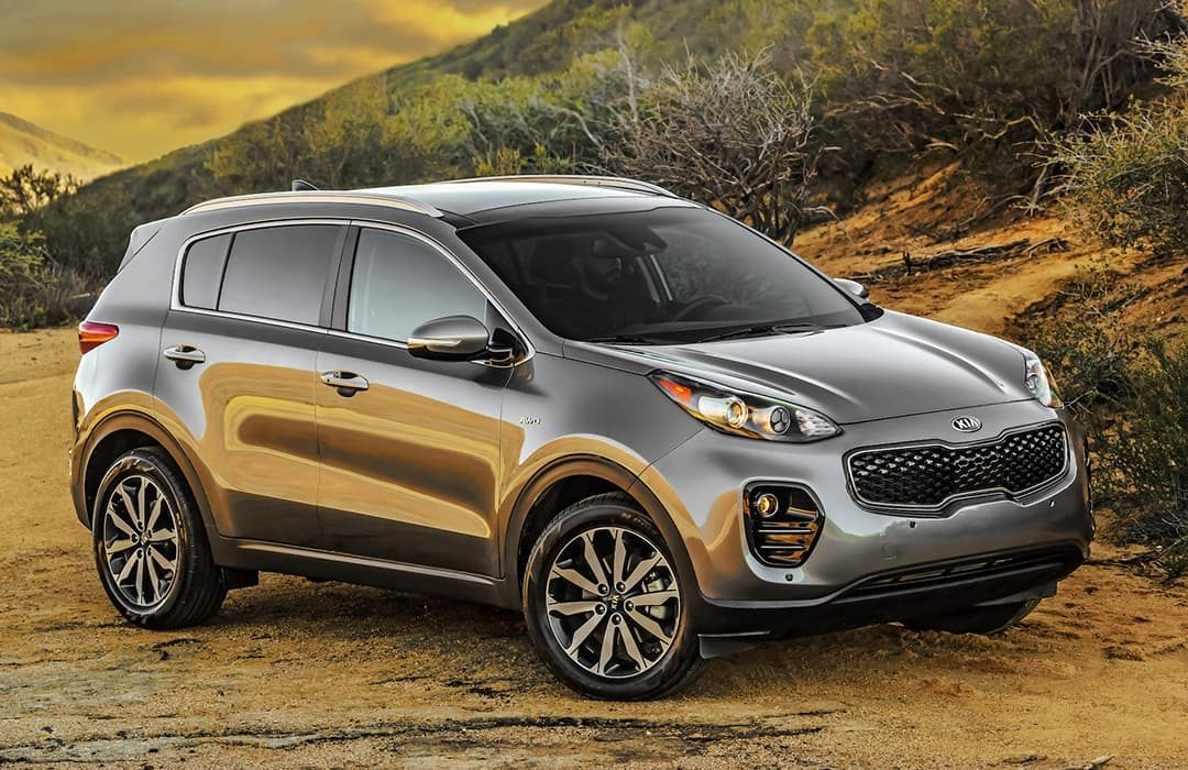 Kia Sportage 2019 in a dirt road, outback setting