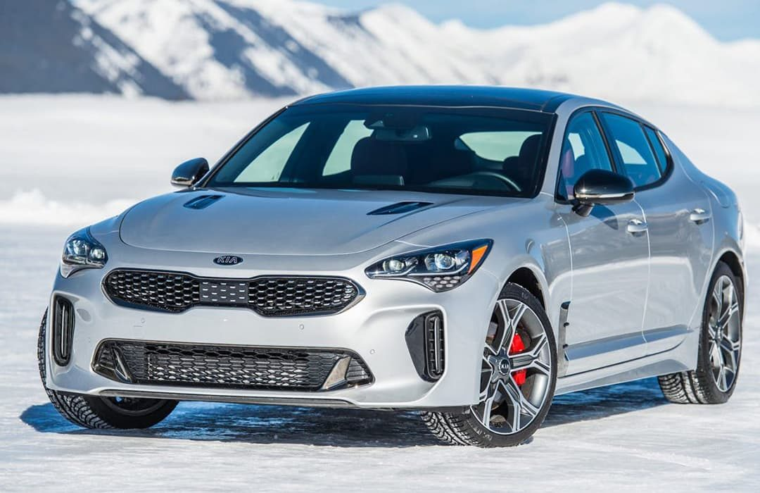 Kia Stinger 2019 car in a snowy road