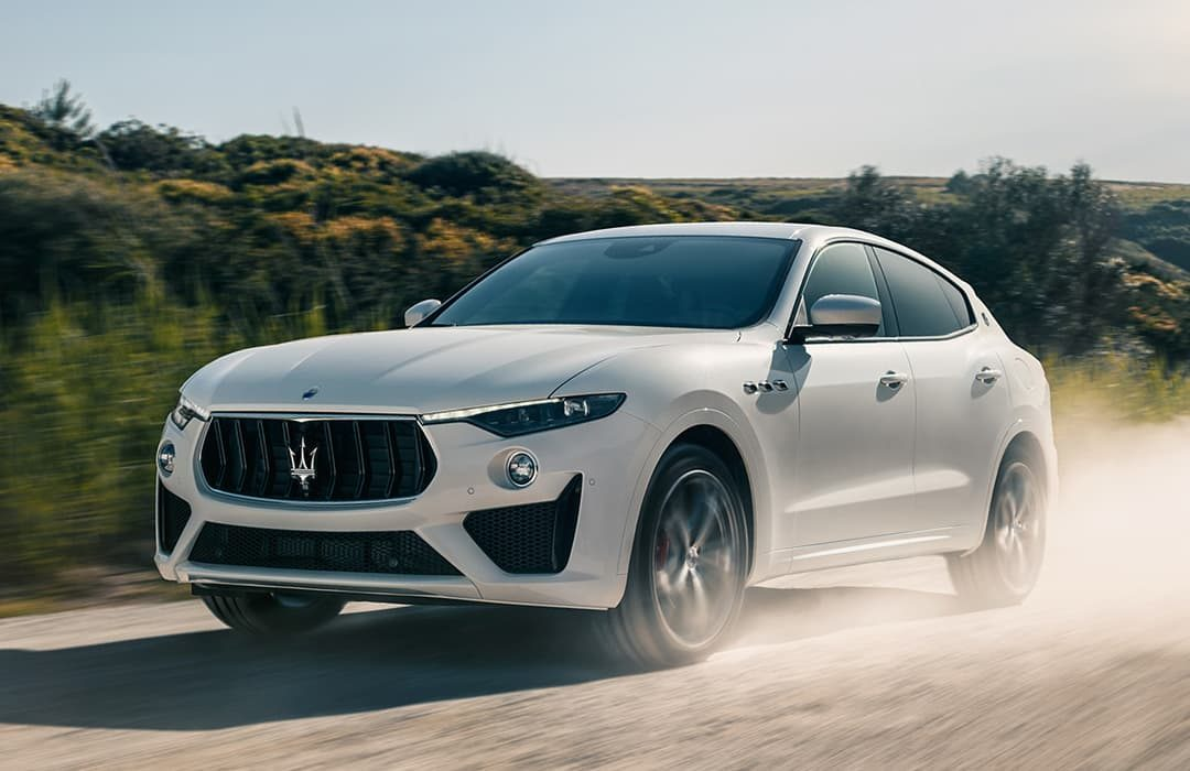 Maserati Levante 2019 white car