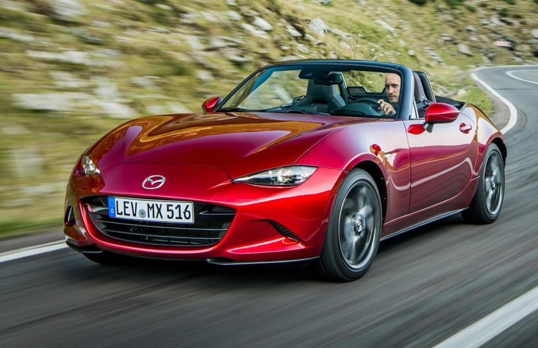 Mazda MX-5 2019 red car