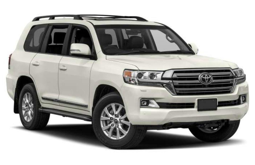 White Toyota Land Cruiser
