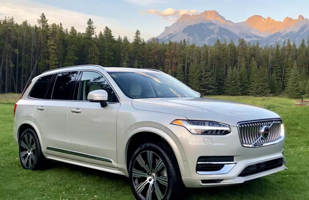 Light Grey Volvo XC90