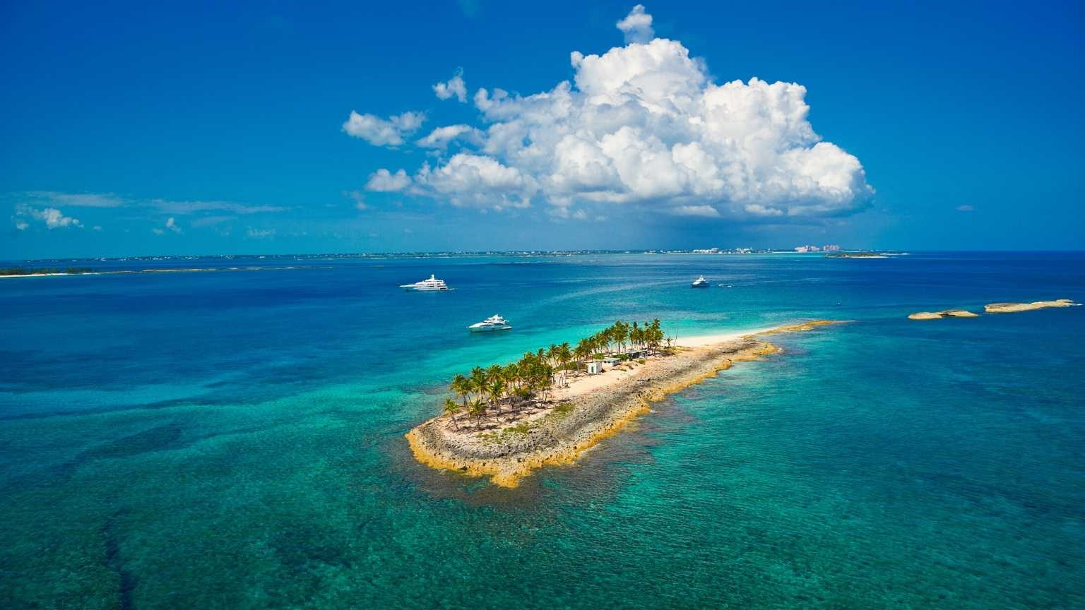 Panoramic view of an island on the Caribbean.