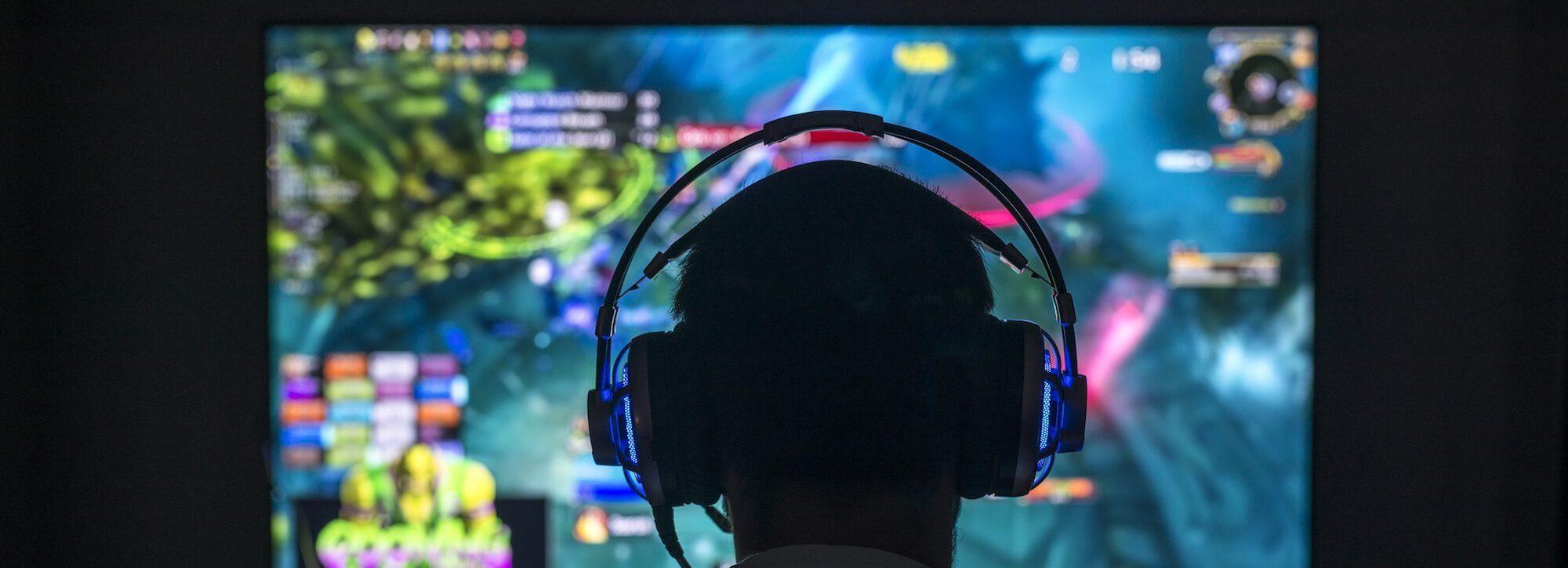 Head looking monitor PC