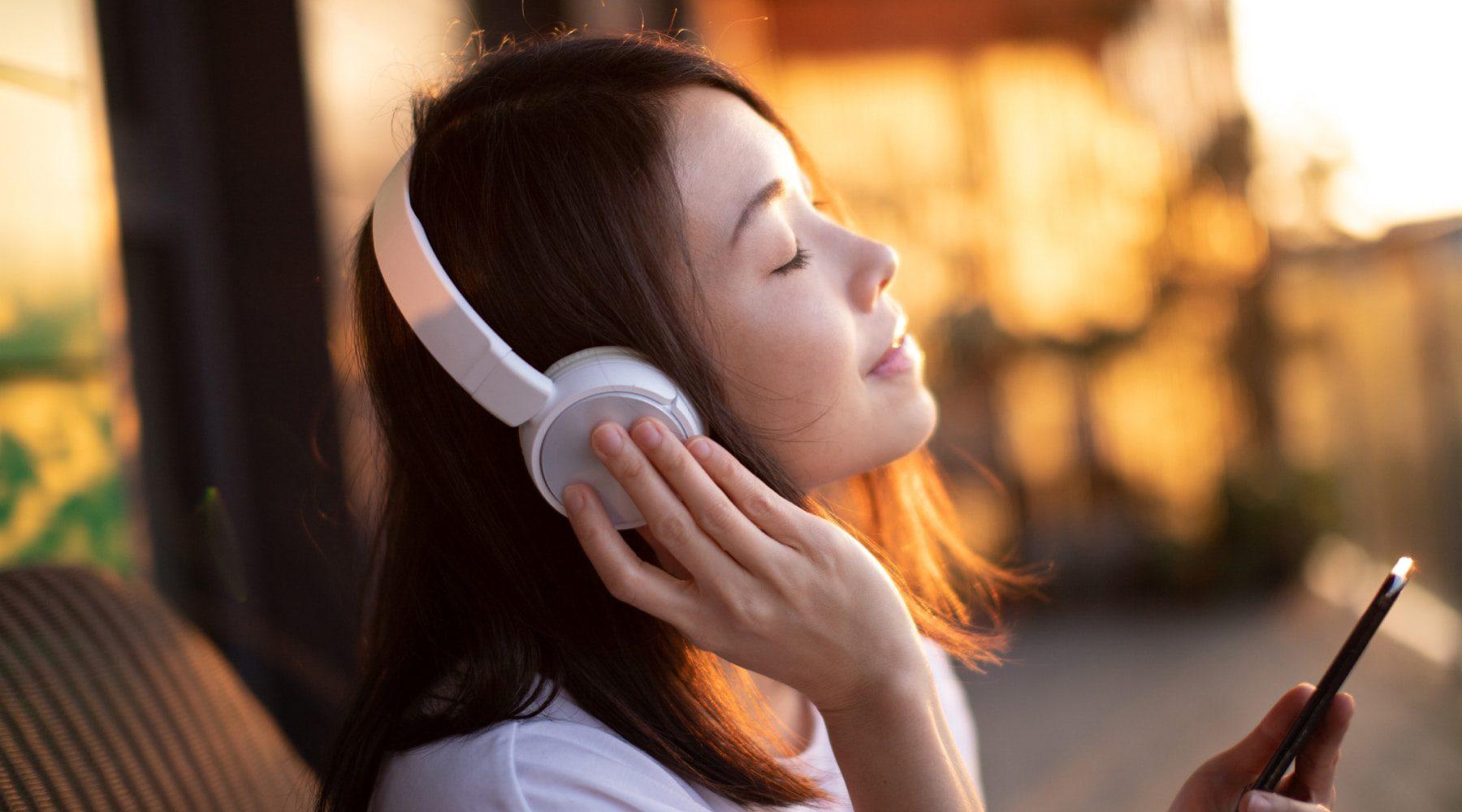 Best speaker and headphone deals