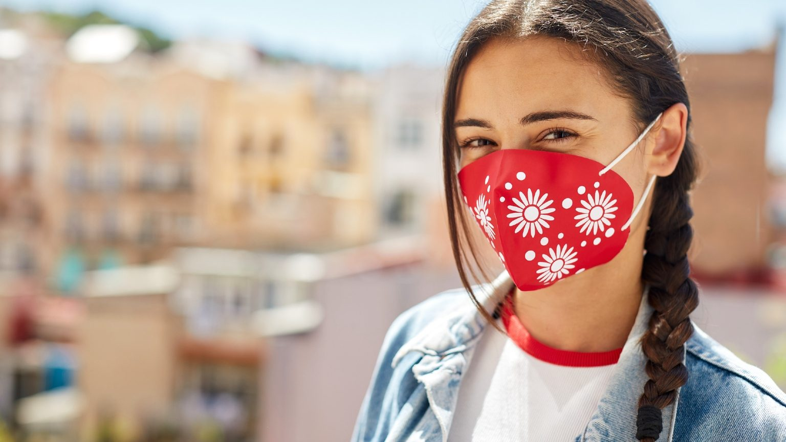 woman wearing reusable face mask