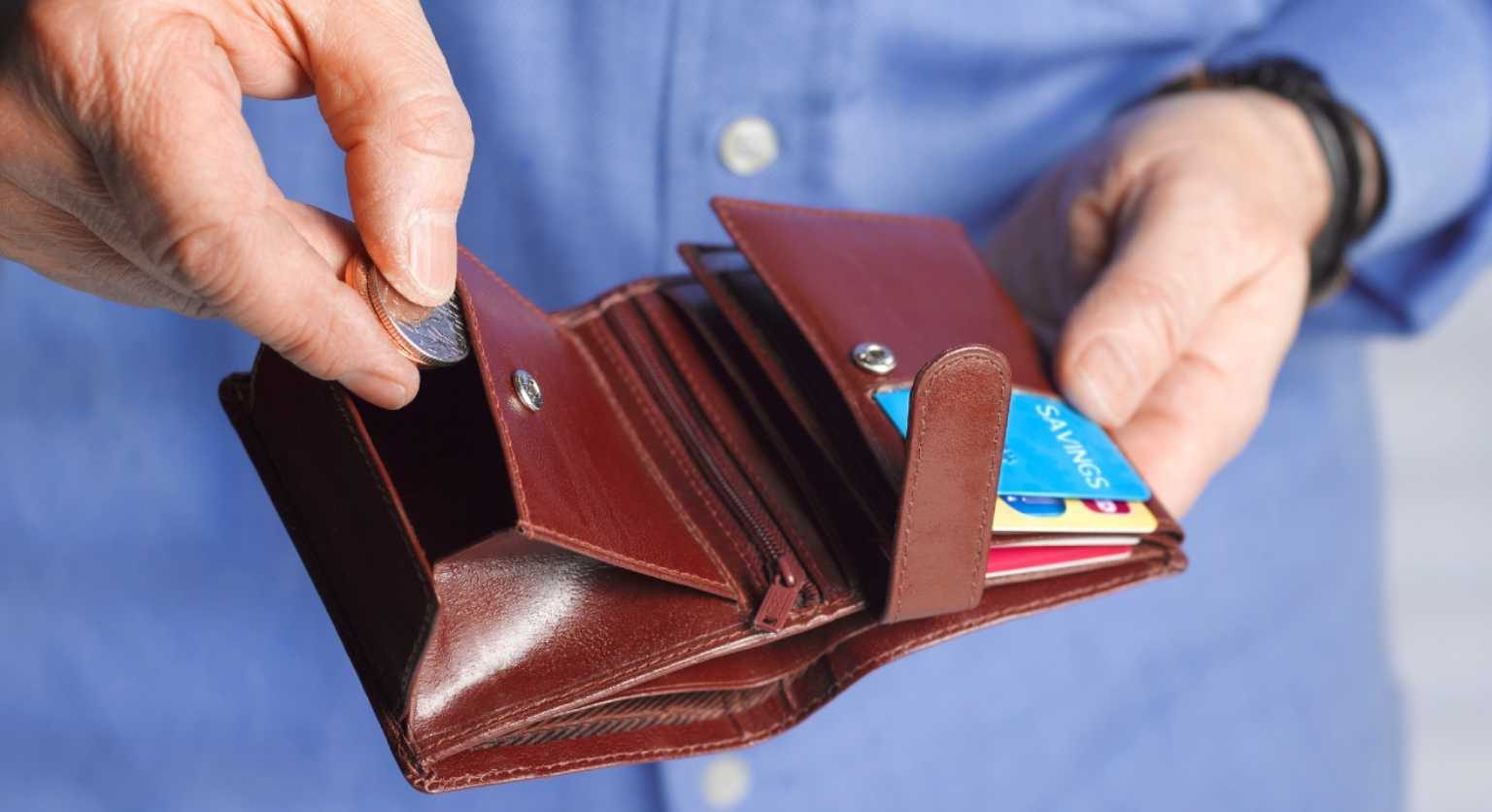 Taking coins from a wallet
