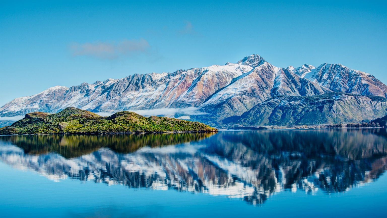 Snowcapped mountain Queenstown