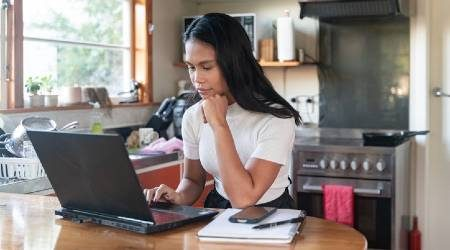 1 in 3 Kiwis are making spare cash with a side hustle