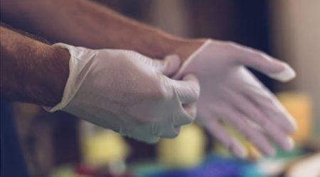 Tempat membeli sarung tangan nitril secara online di Indonesia