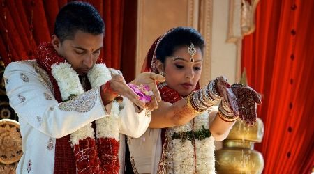 Tips to choosing the right traditional wedding gift