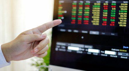 How do I find a good stockbroker?