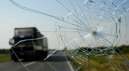 Is windshield replacement insurance worth it?