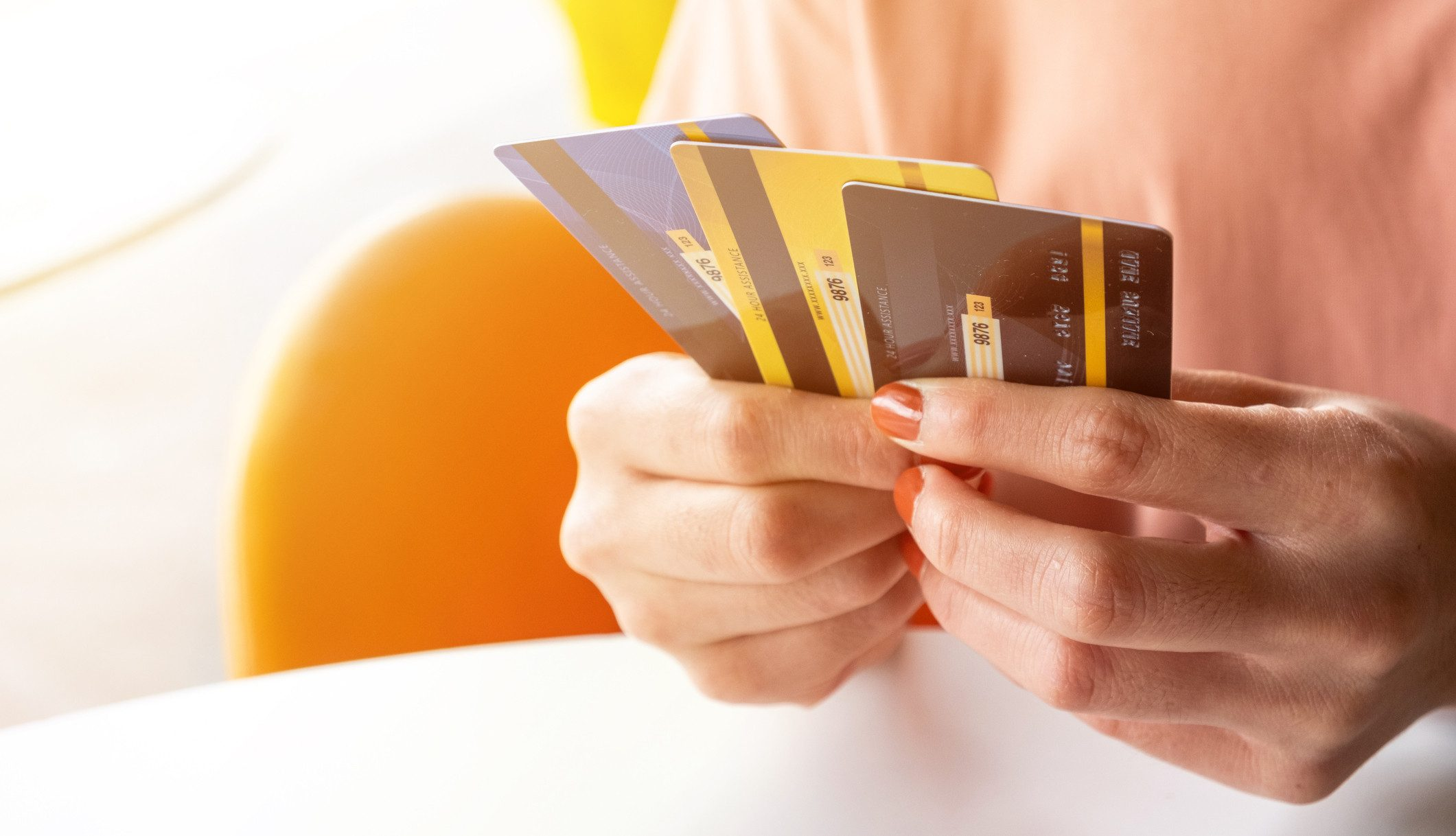 How to manage multiple credit cards