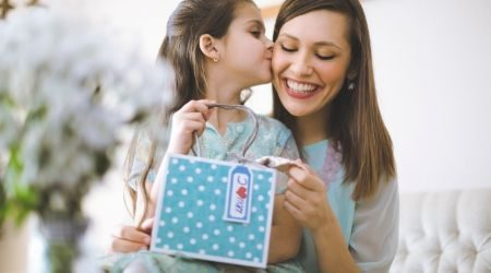 How much will Canadians spend on Mother's Day?