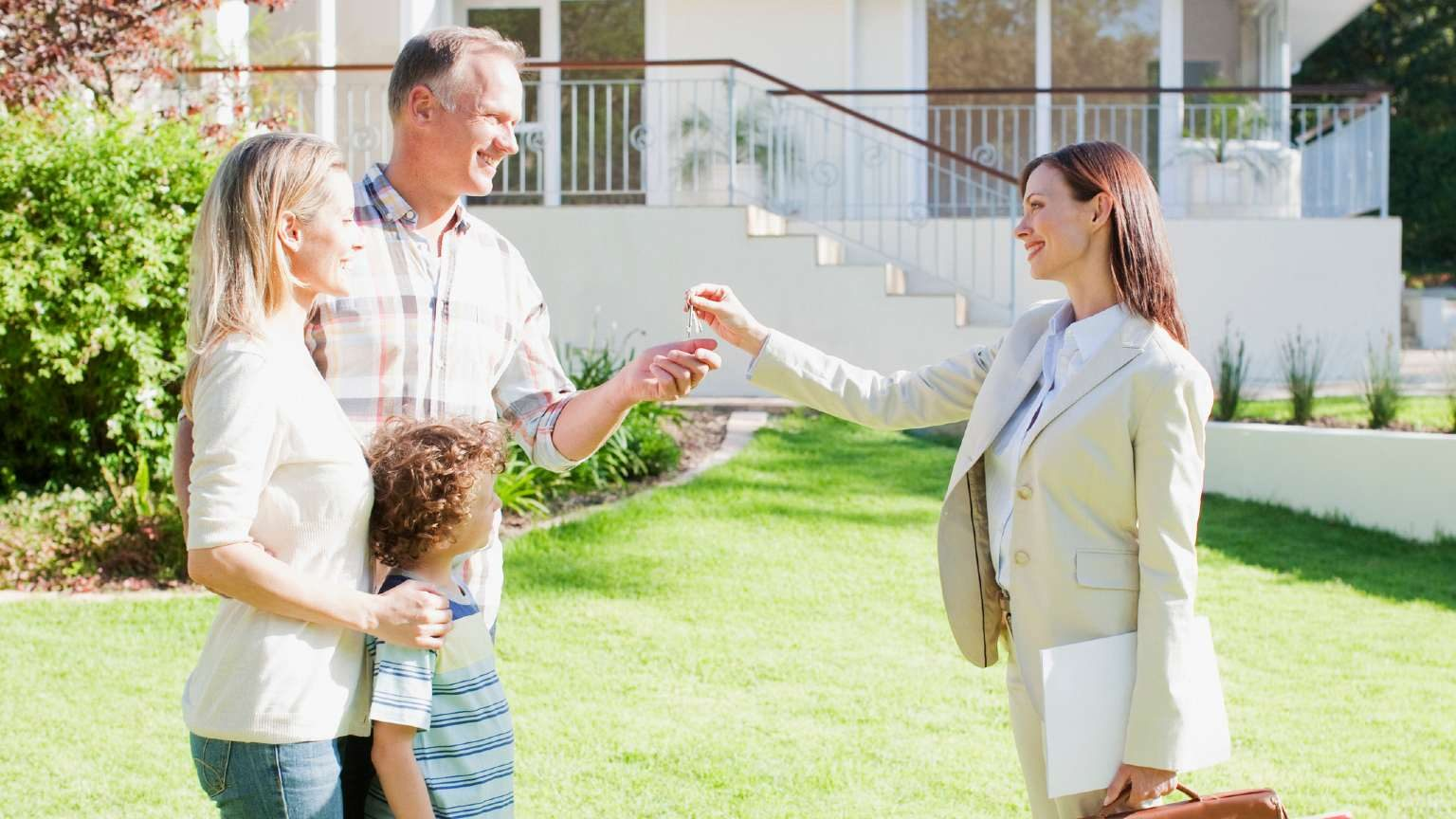 California Family Buying House