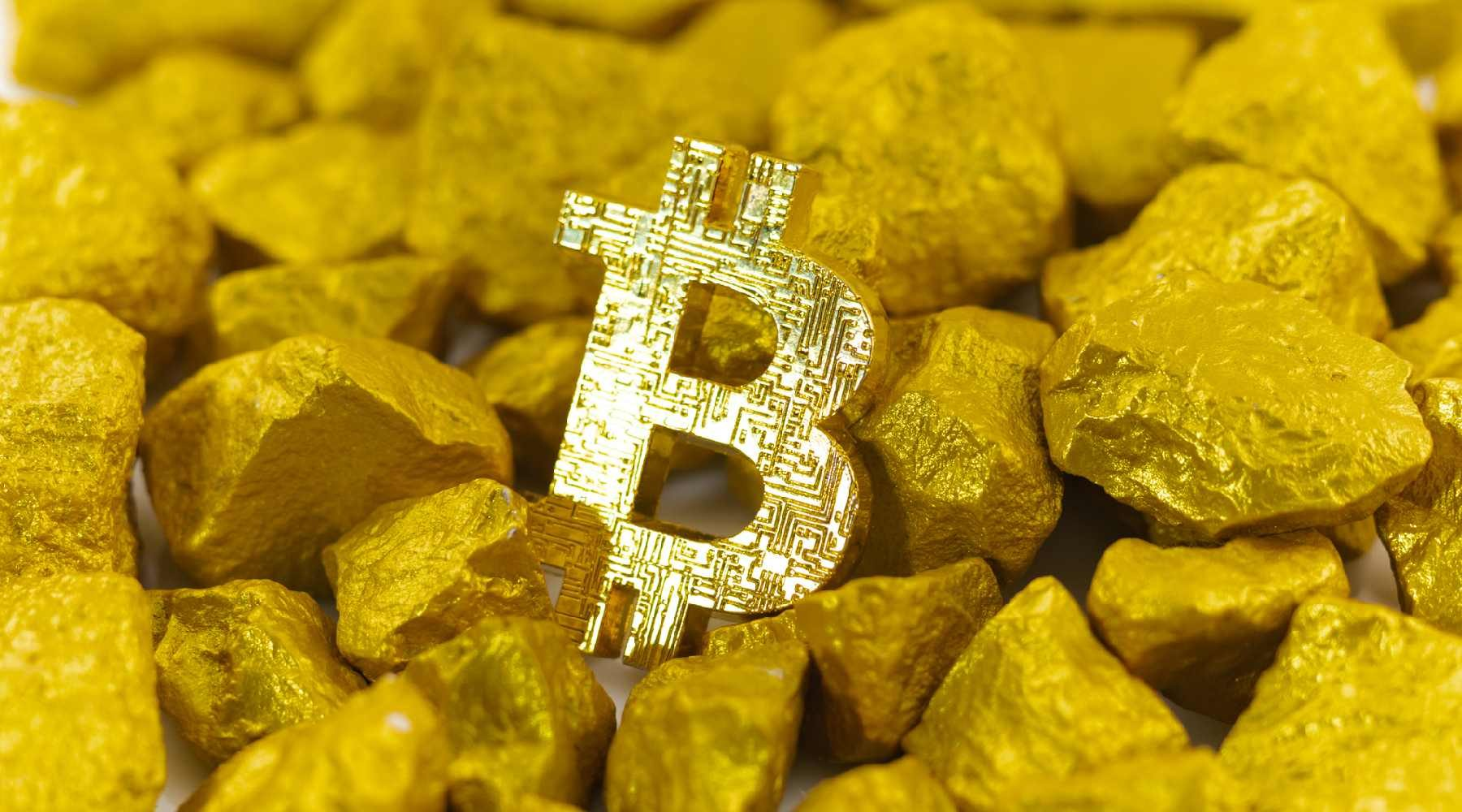 Bitcoin vs Gold 2021: Which should you invest in?