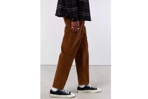 UO Double Pleated Corduroy Pant